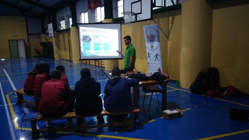 El Curso de Monitor se lleva a cabo en el Colegio El Taller de Molina.